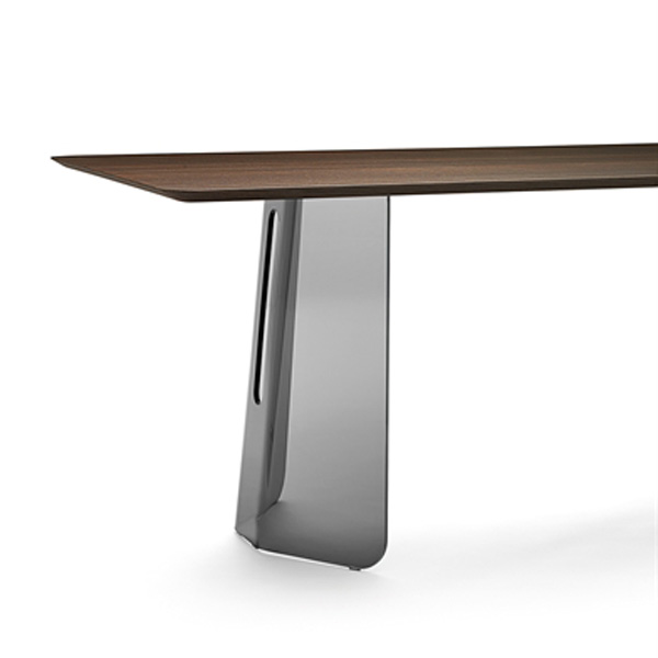 Plie dining table from Fiam