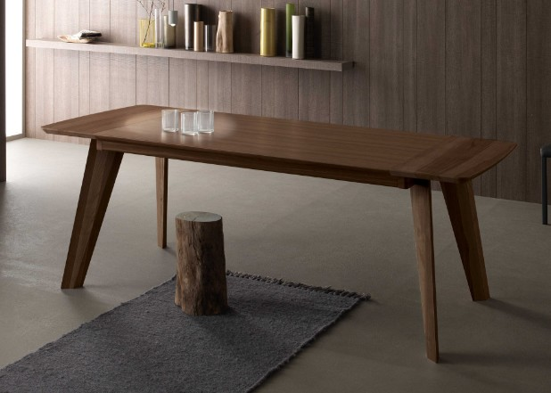 Fred , dining table from Compar
