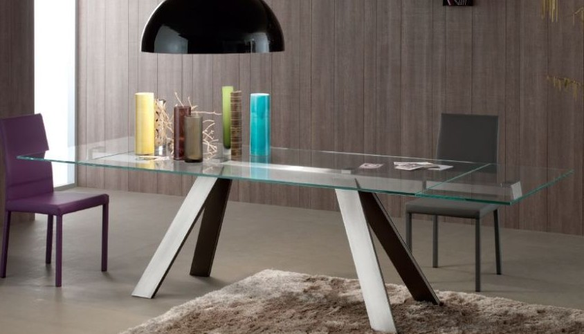 Traverse, dining table from Compar