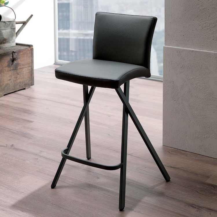 Etienne S524 stool from Ozzio