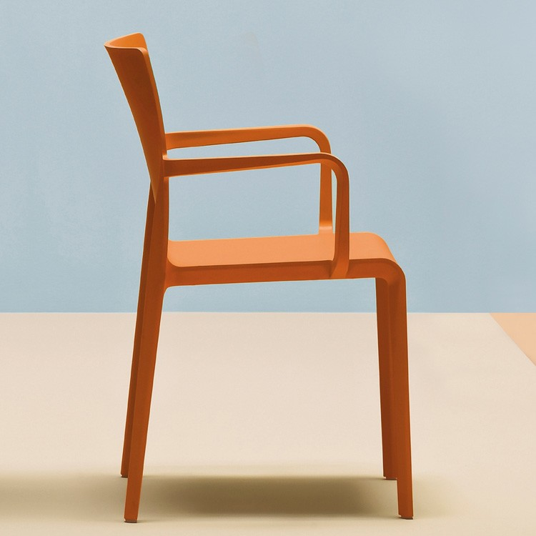 Volt HB 674 chair from Pedrali, designed by Dondoli and Pocci