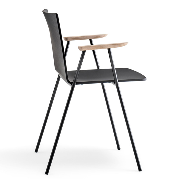 Osaka Metal 5712 chair from Pedrali, designed by CMP Design