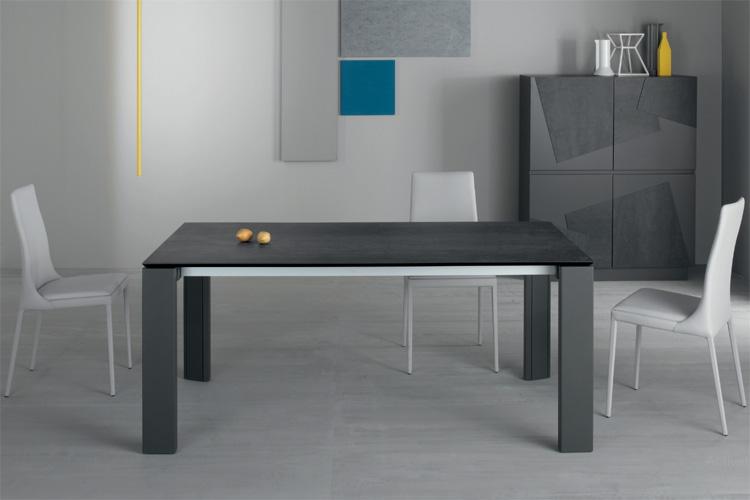 Keram dining table from Compar