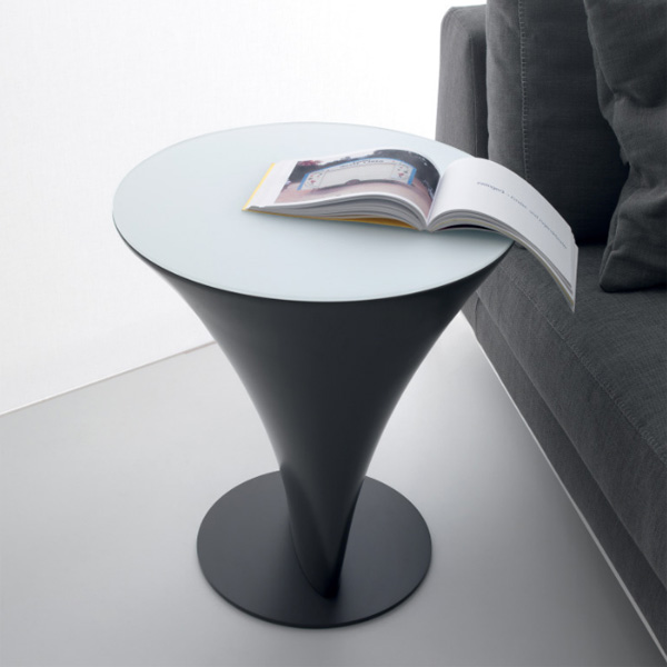 Boat Round end table from Compar