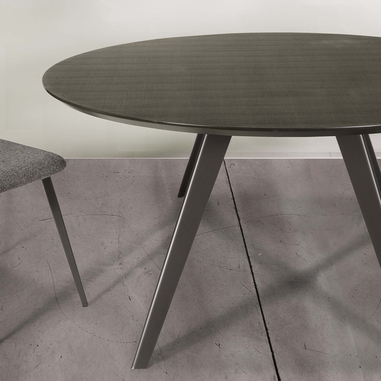 Aky Met dining table from Trabaldo