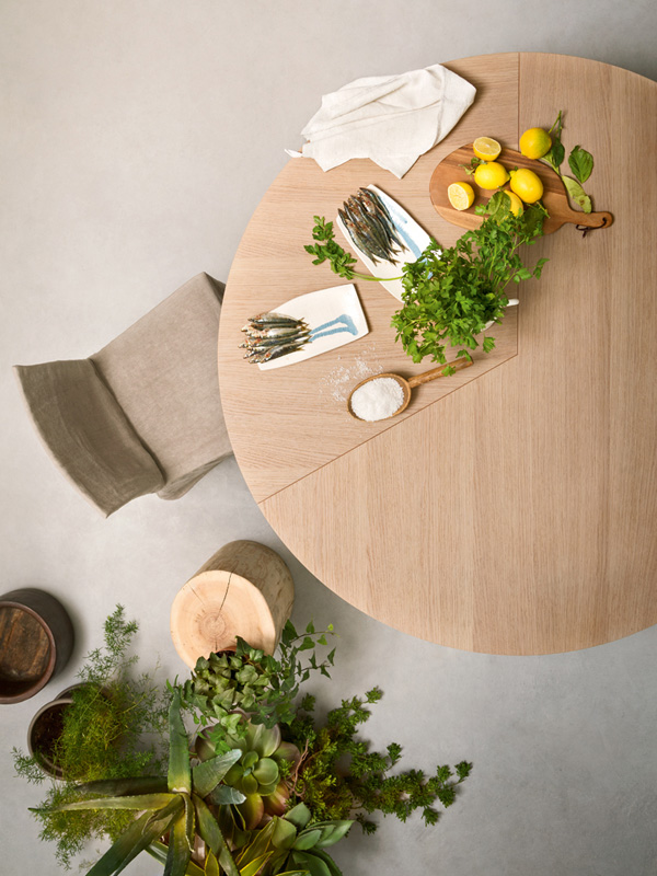 Le 20 dining table from Alf Dafre