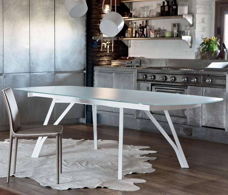 Wonder, dining table from Bontempi