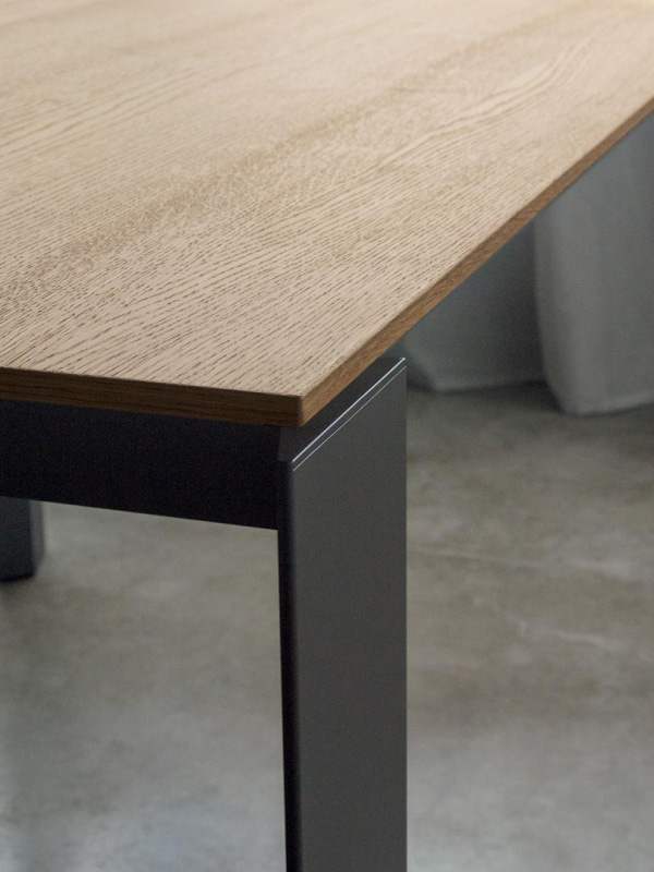 Pascal dining table from Bontempi, designed by  R&D Bontempi Casa