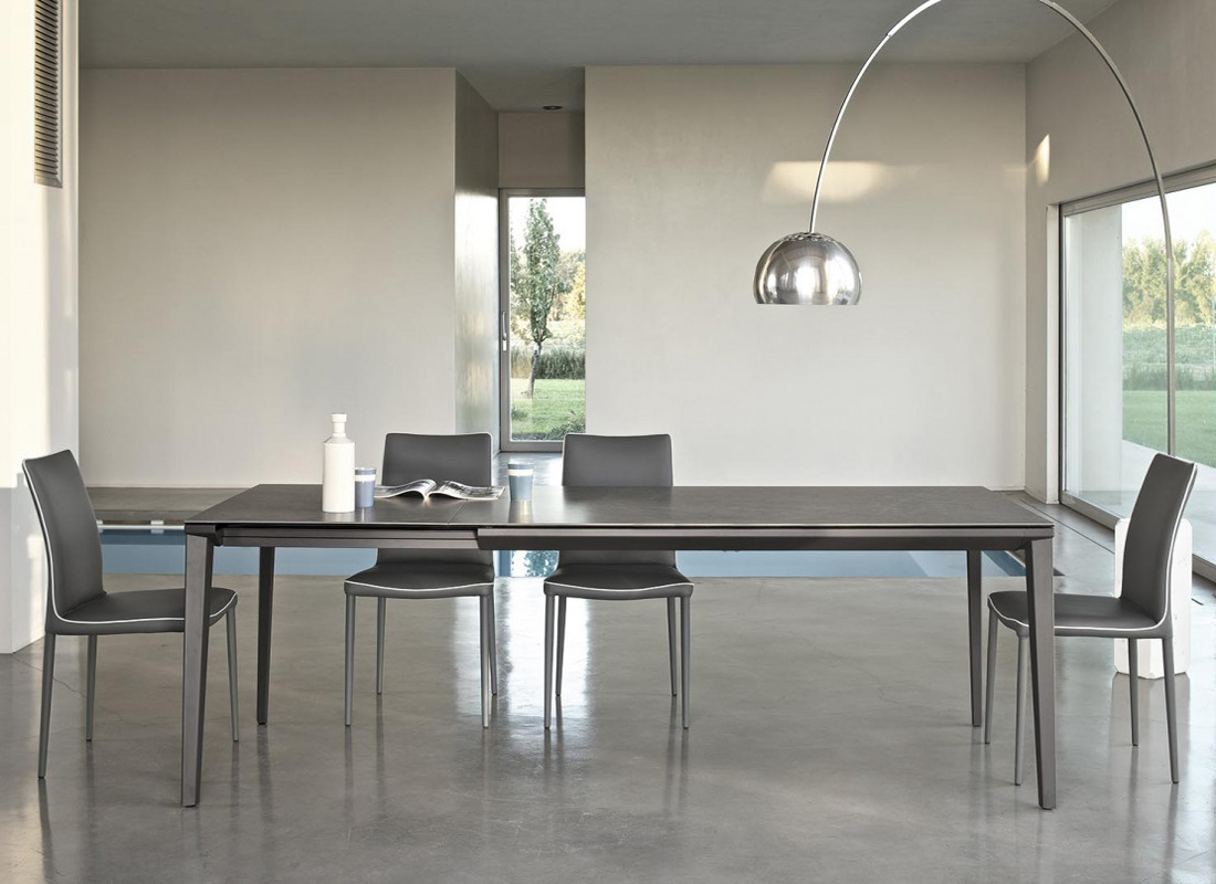 Echo, dining table from Bontempi