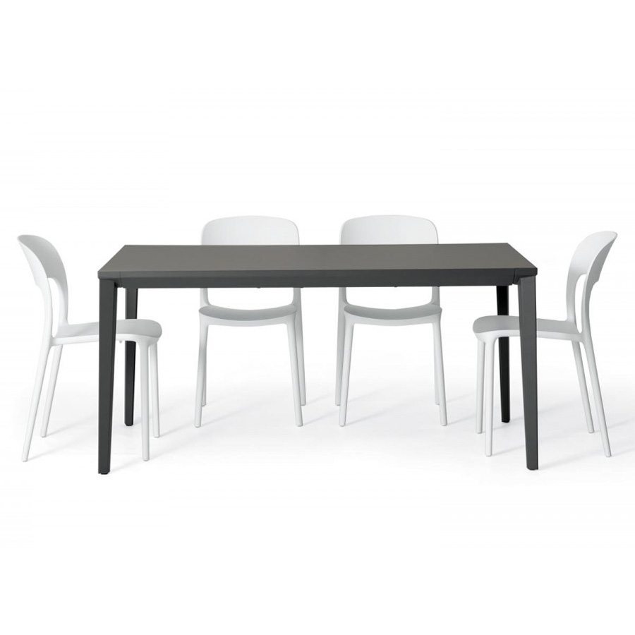 Echo In, dining table from Bontempi