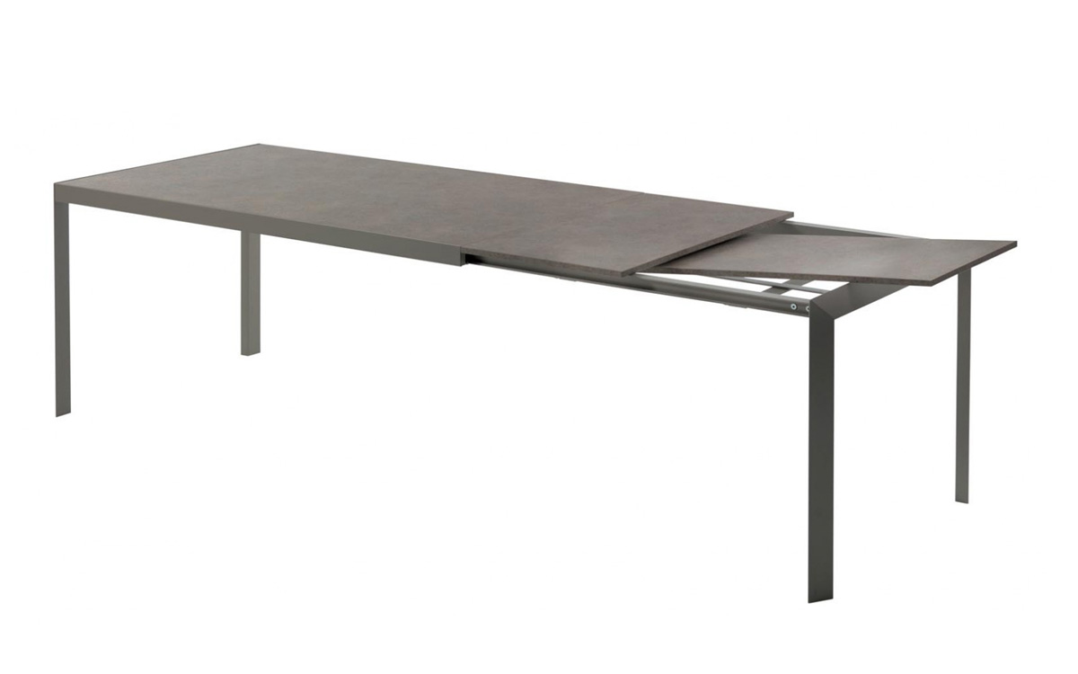 Izac dining table from Bontempi