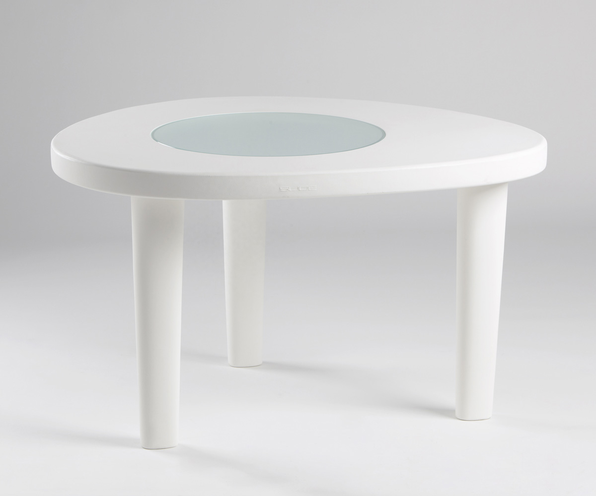 Coccode dining table from Slide