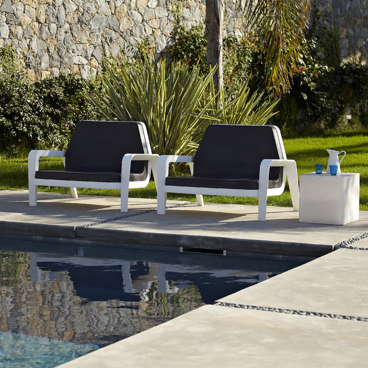 America lounge chair from Slide