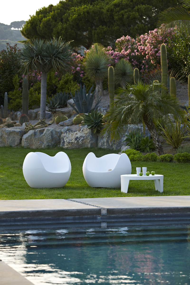 Blos lounge chair from Slide