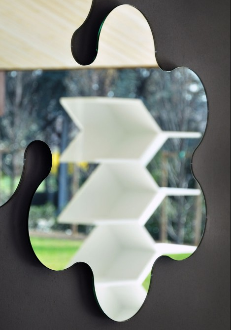 Policurve mirror from Unico Italia