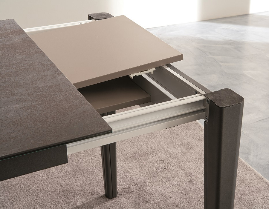 Mix Cono ET56 dining table from Easyline