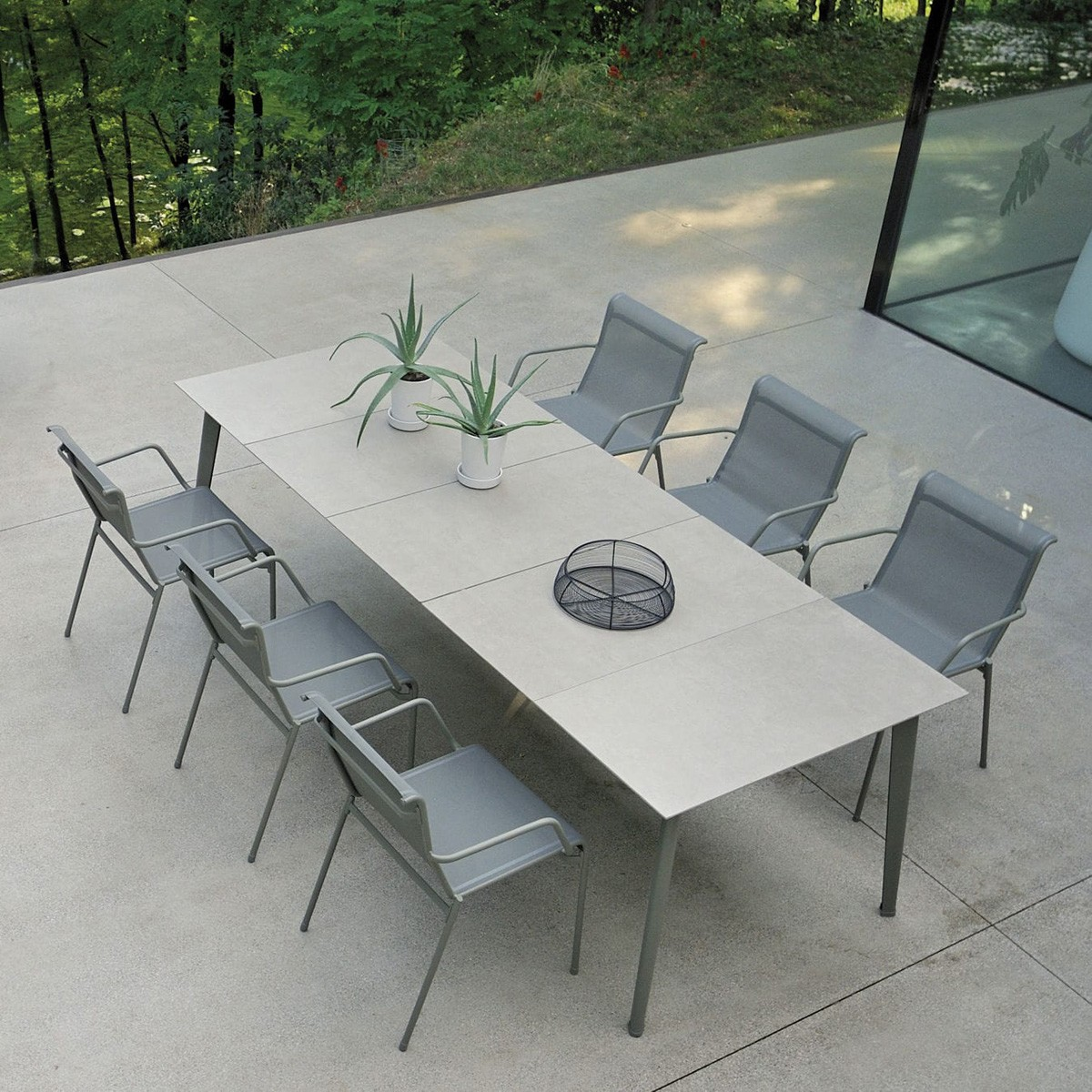 Kira Dining Table 691 Extending from Emu, designed by Christophe Pillet