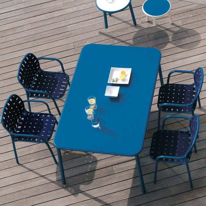 Yard Dining Table (Metal Top) from Emu, designed by Stefan Diez