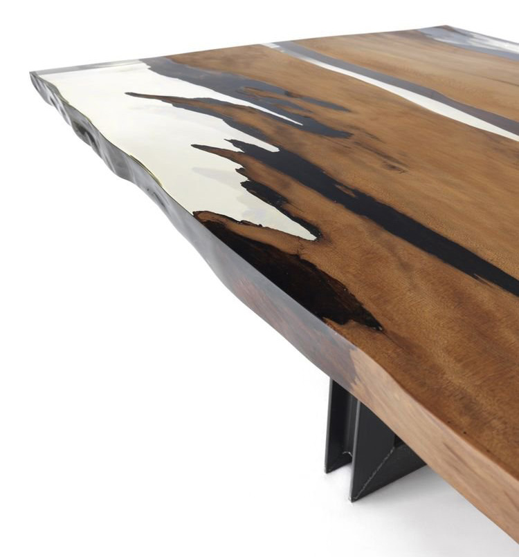Kauri Beam dining table from Riva 1920, designed by C.R. & S. Riva 1920