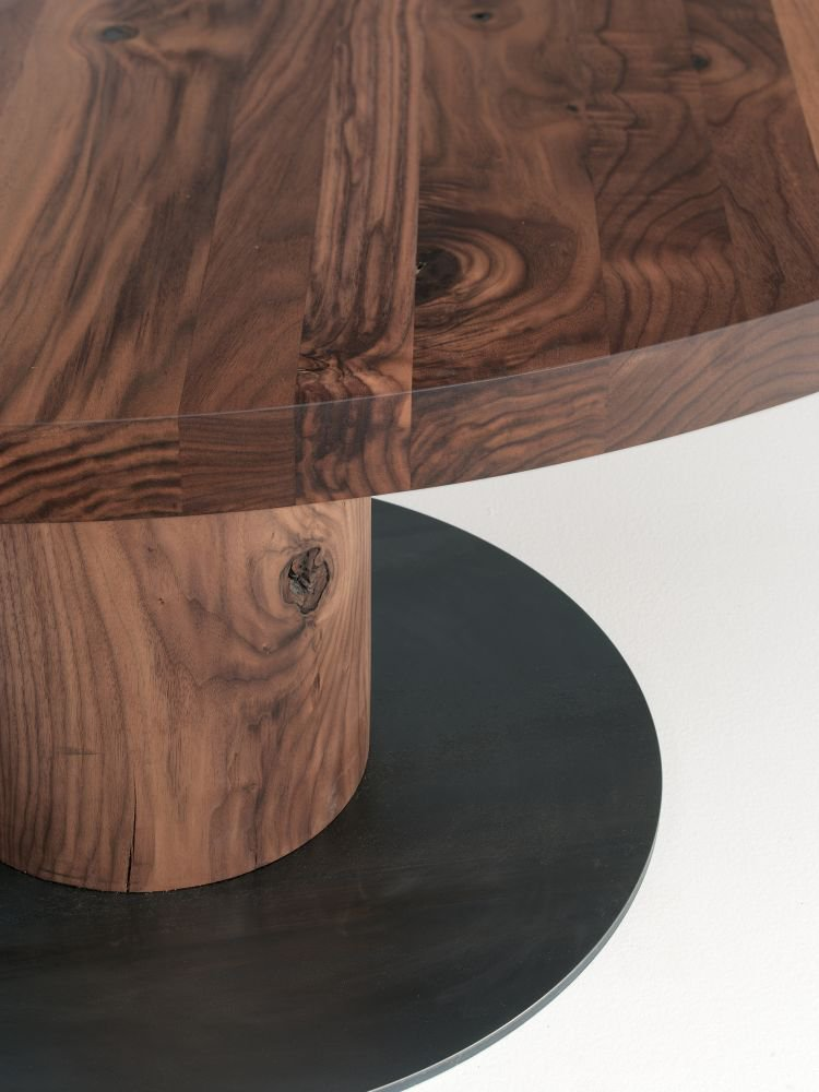 Boss Executive Round dining table from Riva 1920, designed by C.R. & S. Riva 1920