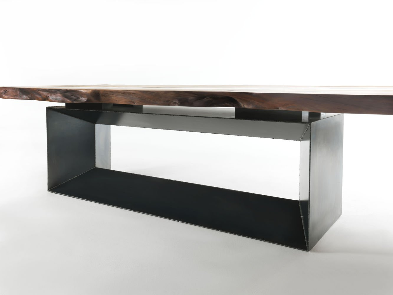 Cube Kauri  dining table from Riva 1920, designed by C.R. & S. Riva 1920