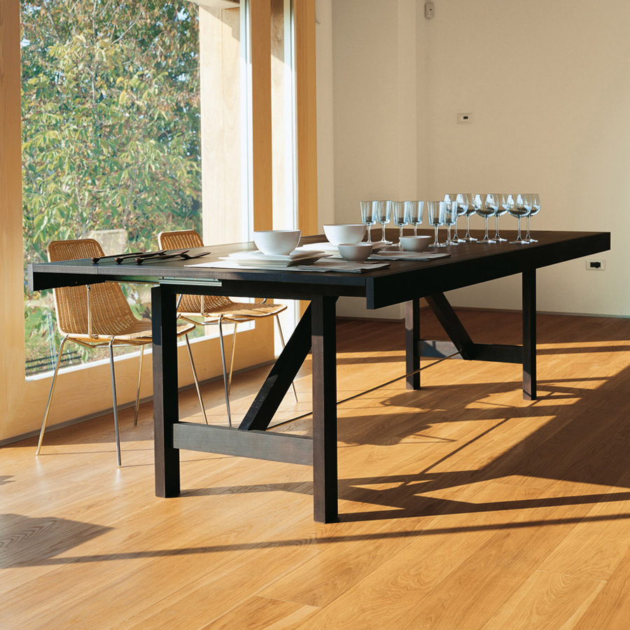 Capriata dining table from Horm, designed by Carlo Cumini
