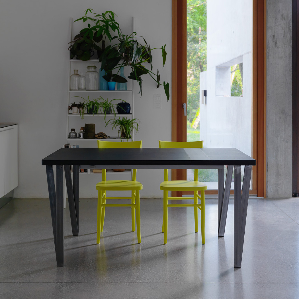 Ma.Re, dining table from Horm