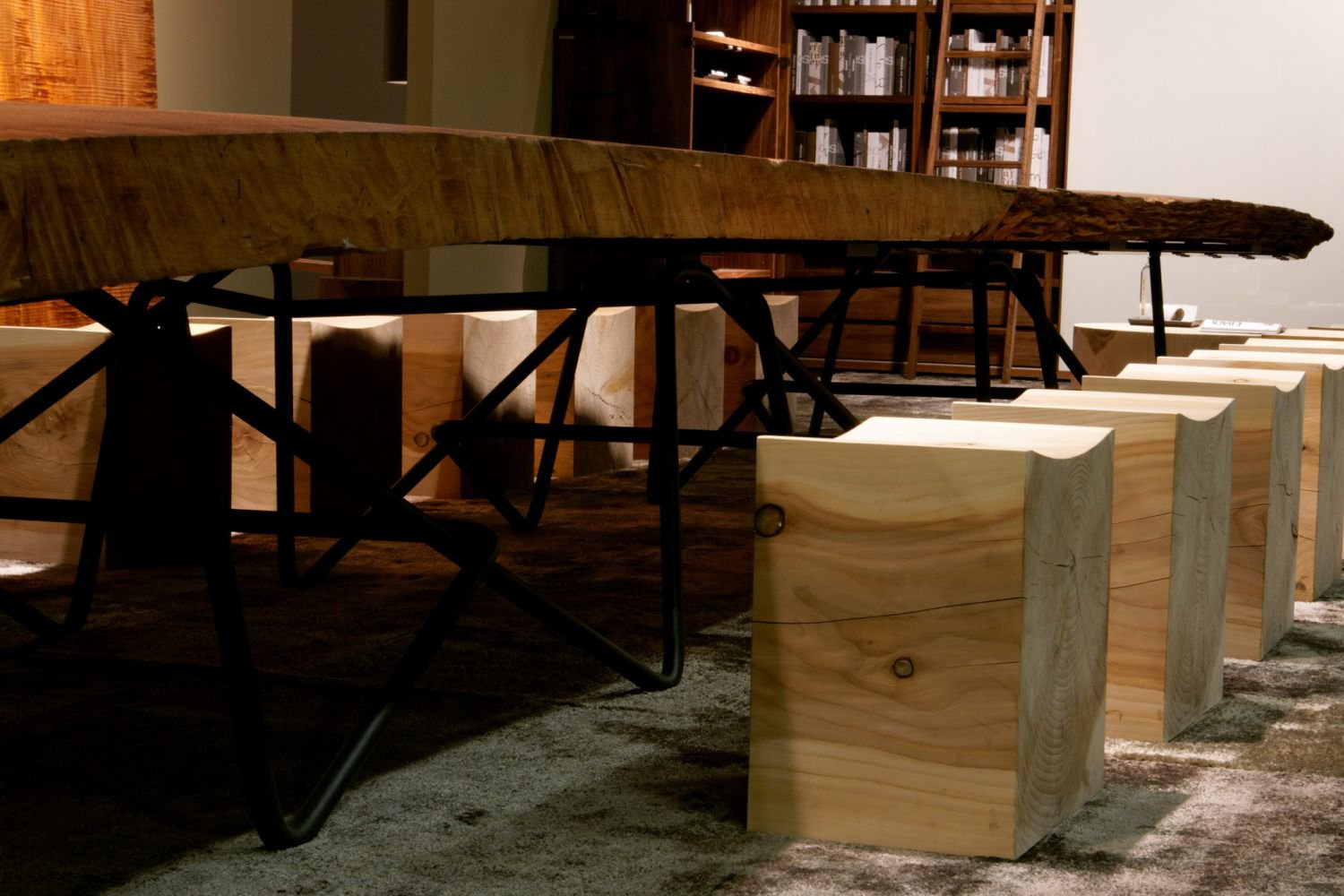 Antico dining table from Riva 1920