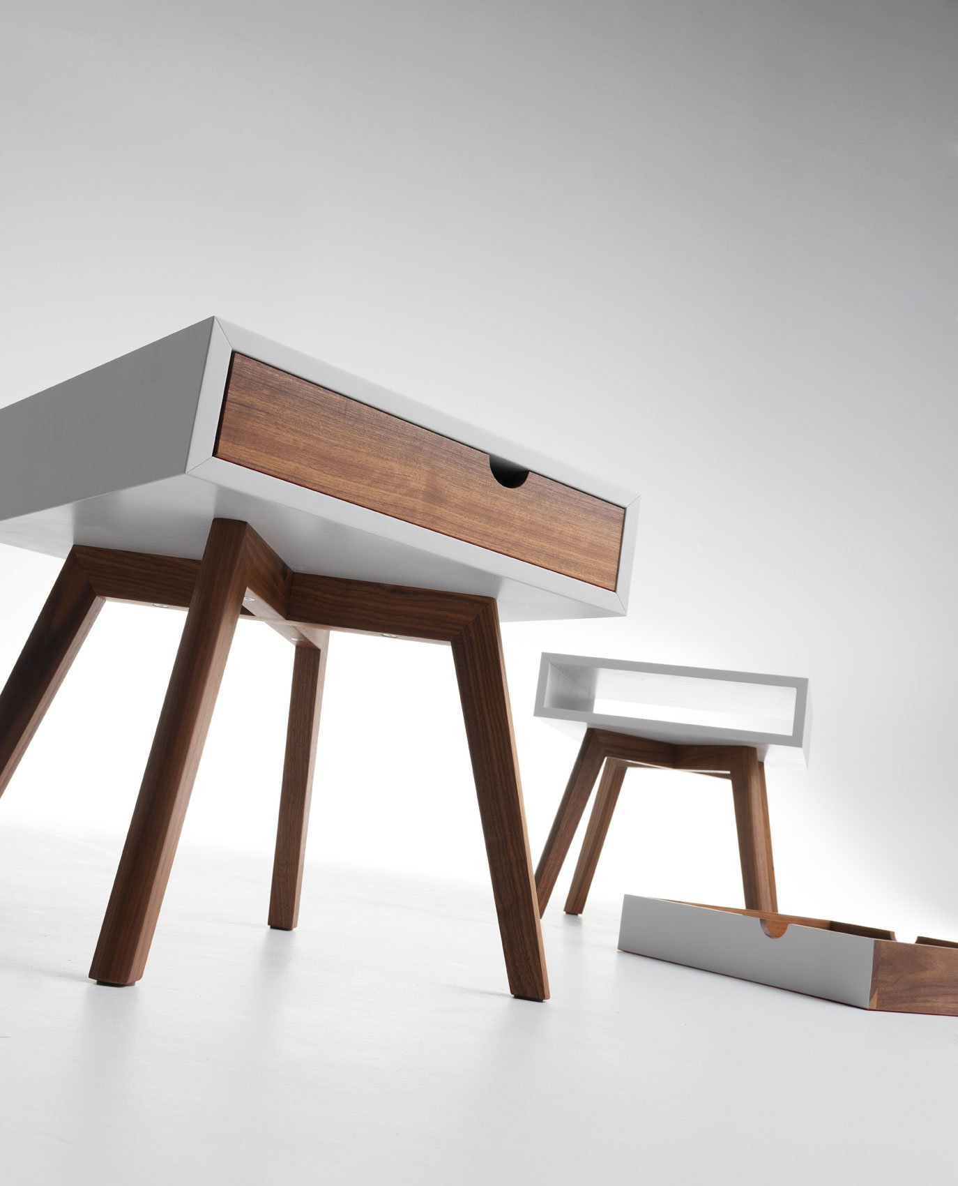 Io e Te end table from Horm, designed by Esa Vesmanen