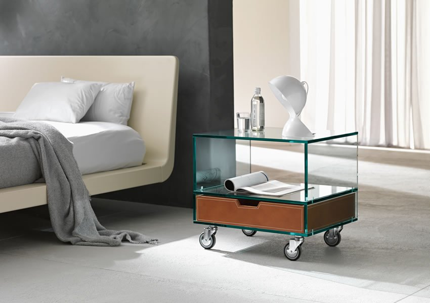 Grattacielo end table from Tonelli, designed by Marco Gaudenzi