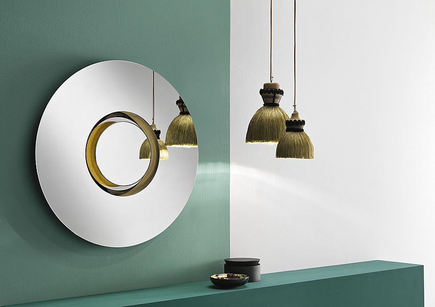 Ozma mirror from Tonelli, designed by Viola Tonucci