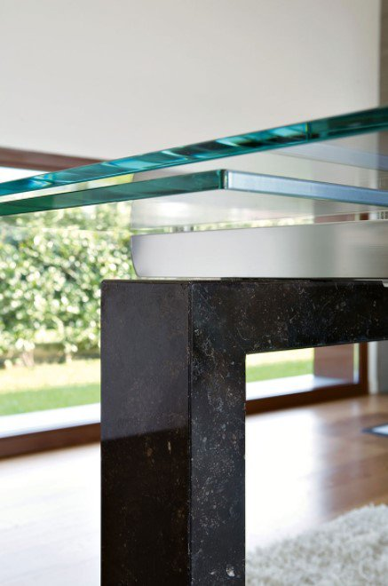 Boma Extendable dining table from Unico Italia