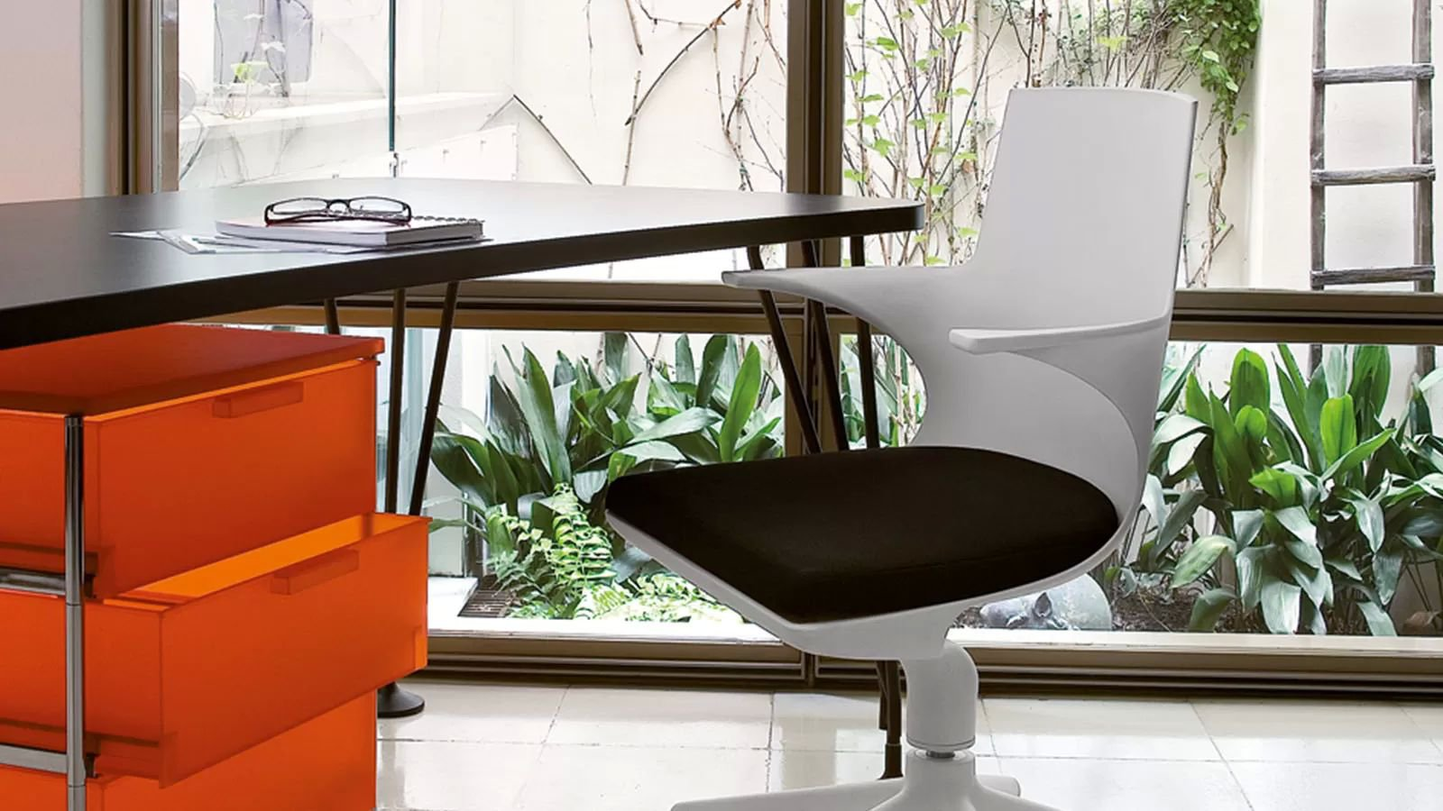Spoon Chair office from Kartell