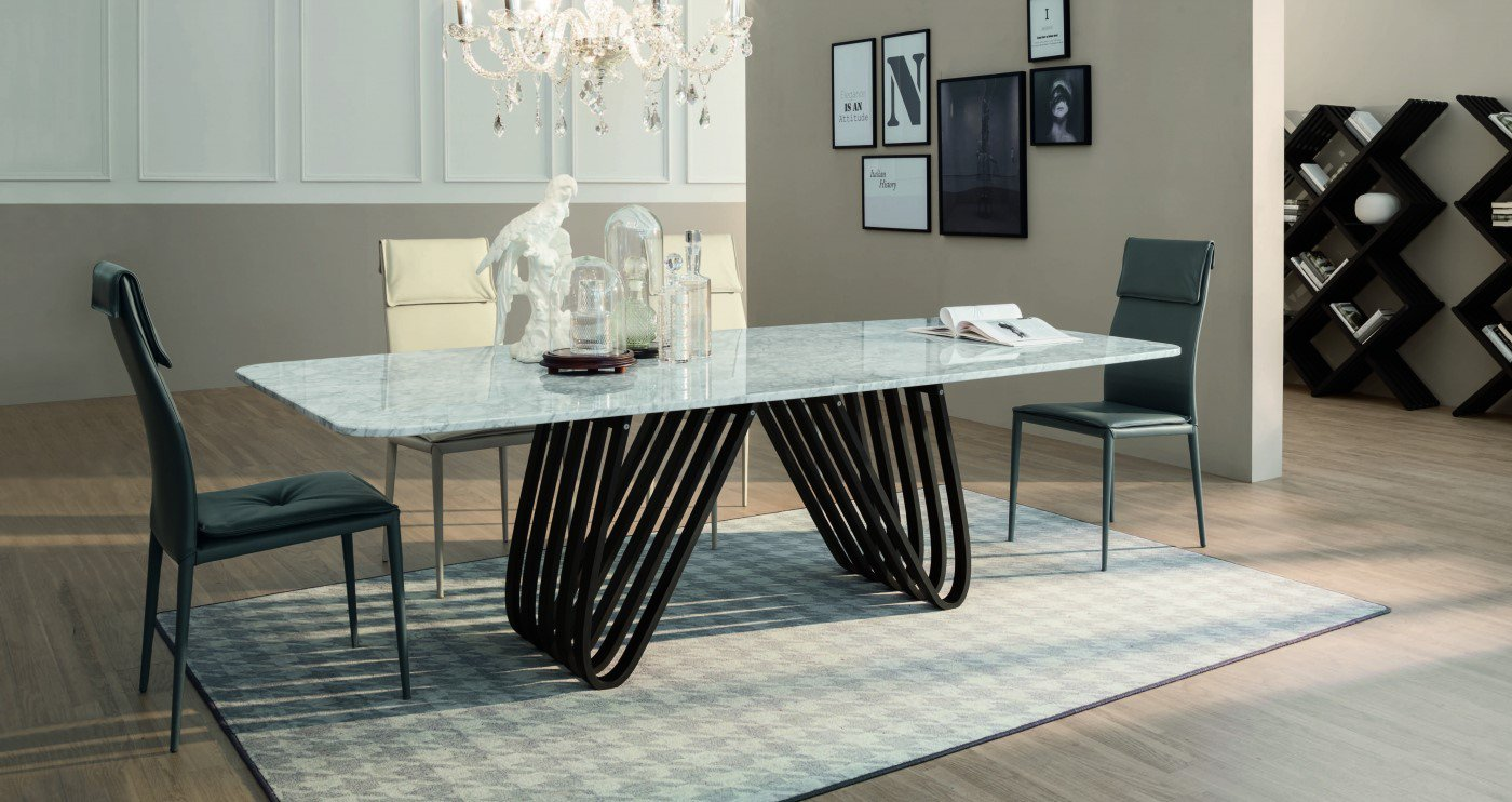 Arpa dining table from Tonin Casa
