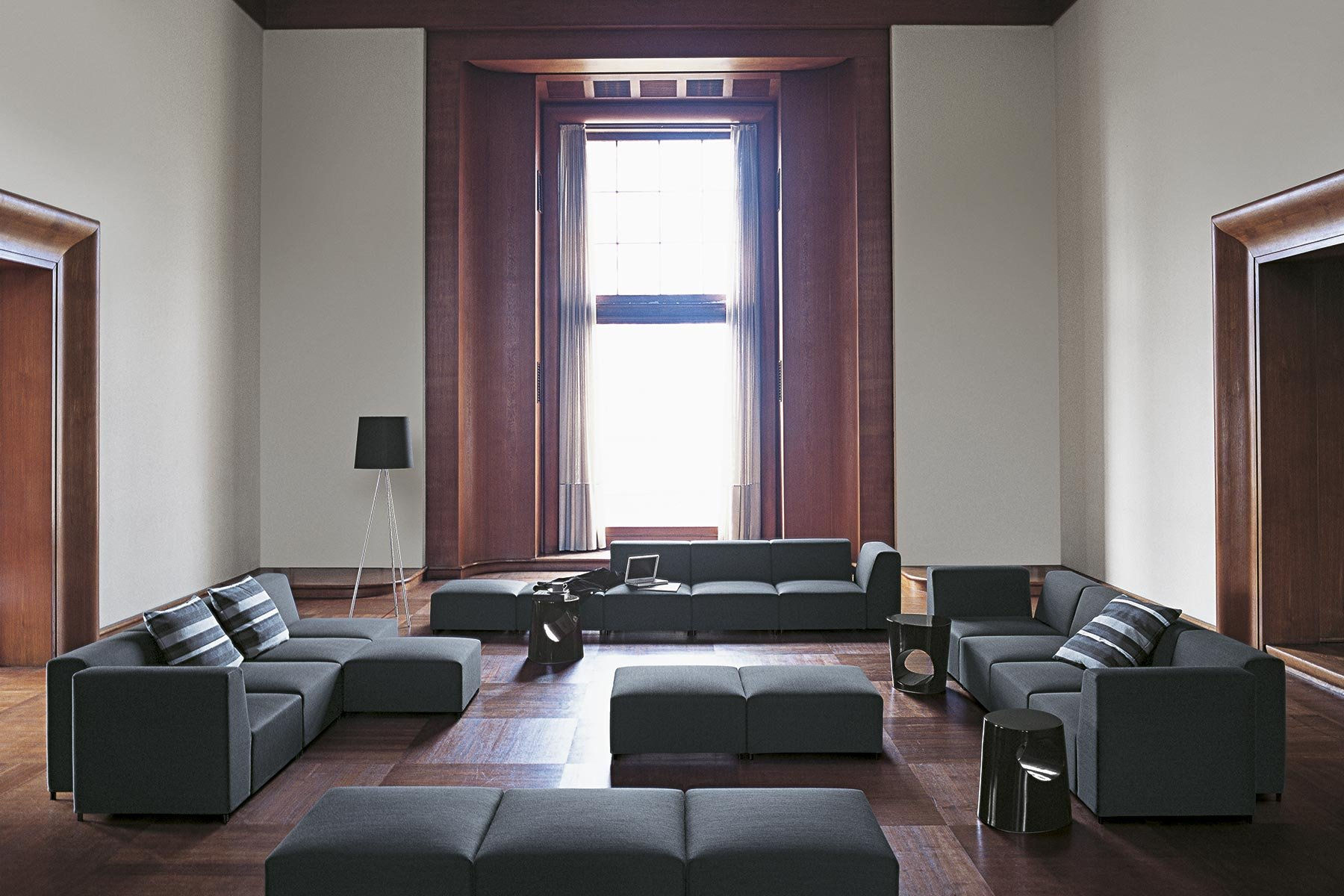 Quadro Sofa from Tacchini, designed by Pietro Arosio