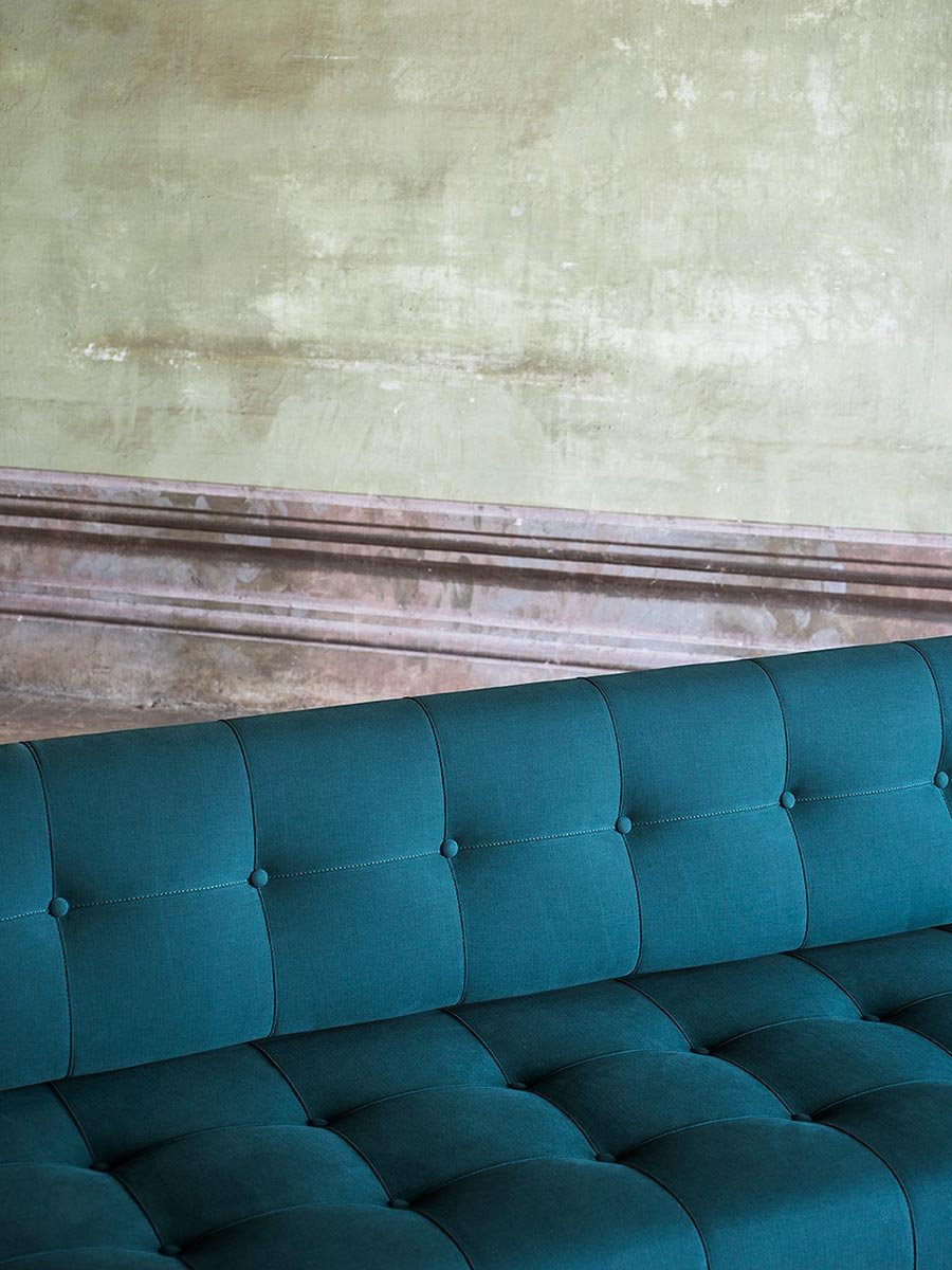 Oliver Sofa from Tacchini, designed by Gianfranco Frattini