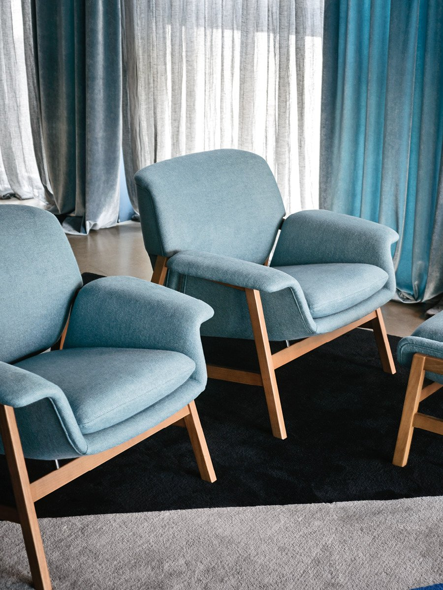 Agnese Armchair lounge from Tacchini, designed by Gianfranco Frattini