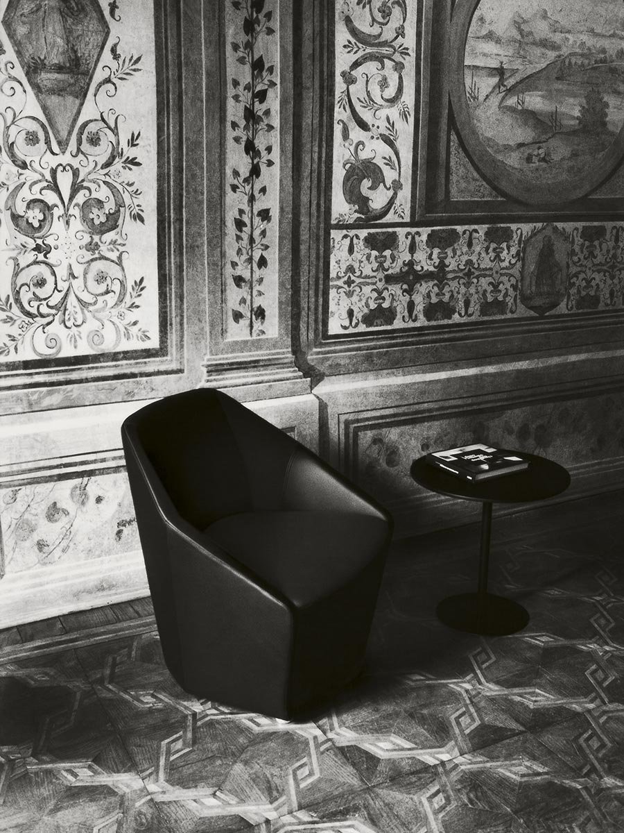 Misura Armchair from Tacchini