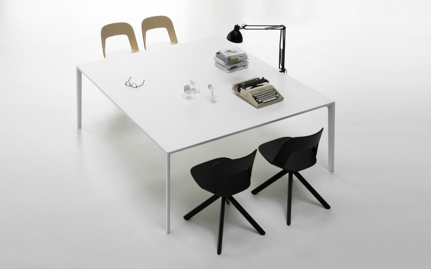 Arco Chair office from lapalma, designed by Francesco Rota