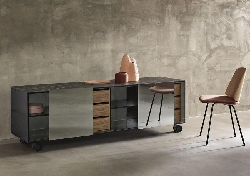 Shoji Madia Exhibitor Cabinets from Tonelli, designed by Isao Hosoe
