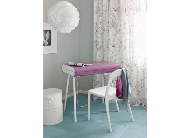 ST08 Makeup Table desk from Muller