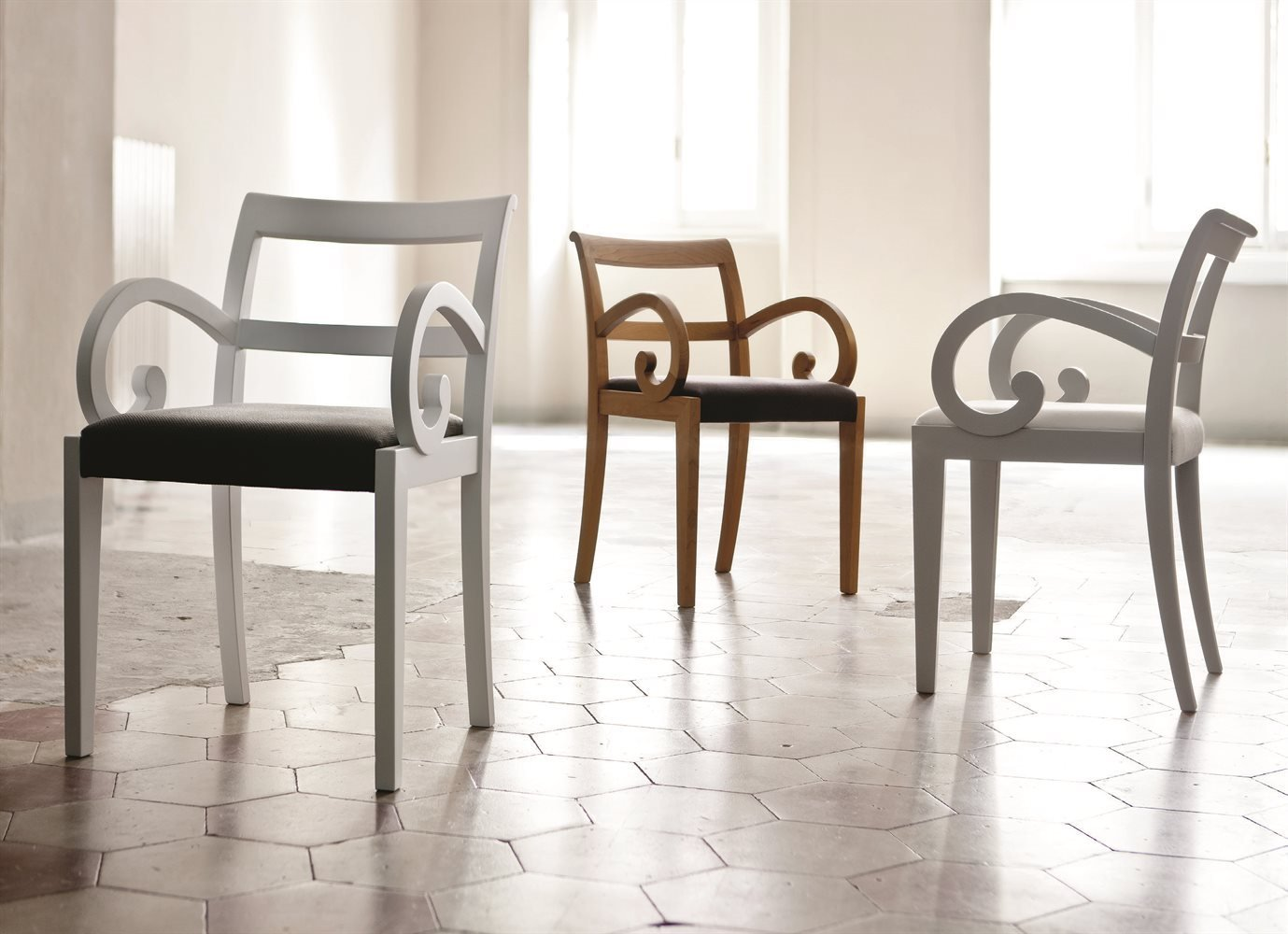 Garbo Chair from Porada, designed by T. Colzani