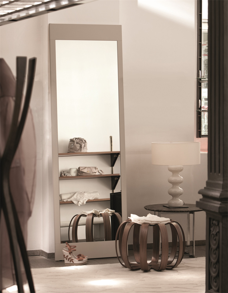 Bryant Specchio Mirror from Porada, designed by Opera Design