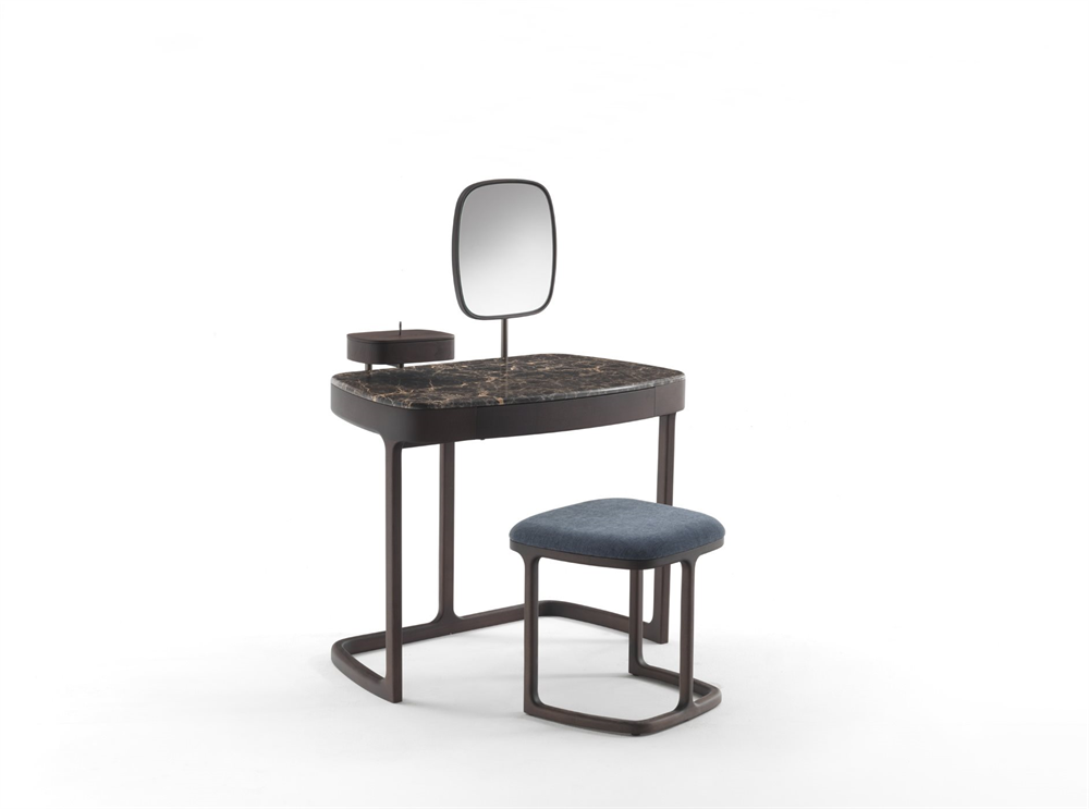 Maskara Coiffeuse/Desk from Porada, designed by E. Gallina