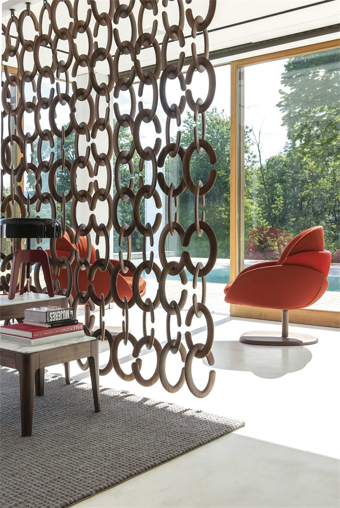 Cozy Occasionals screen from Porada, designed by T. Colzani