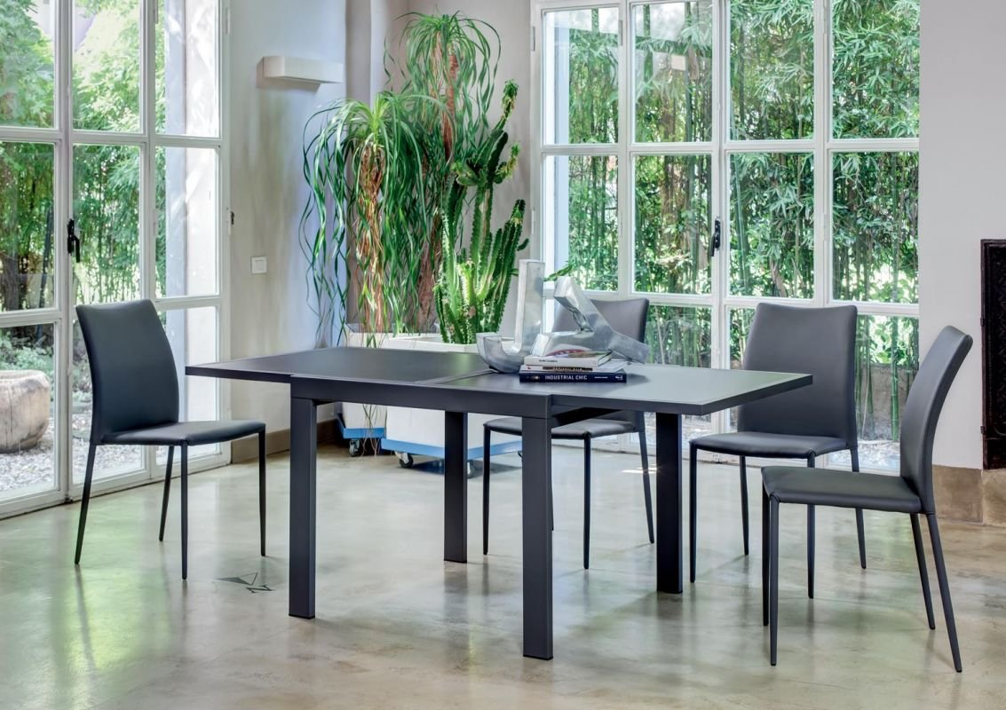 Sky dining table from Bontempi