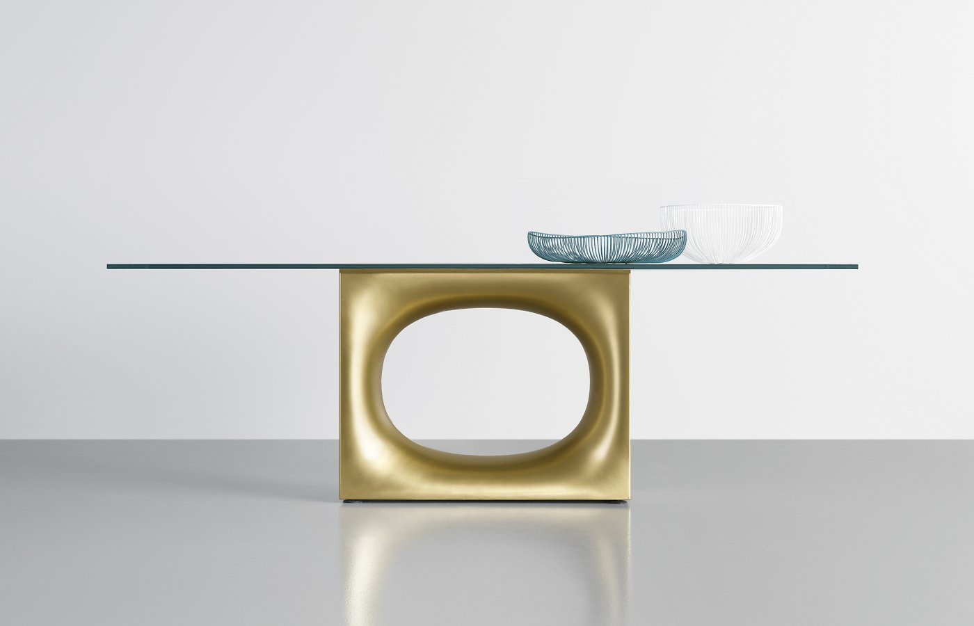 Holo Table dining from Kristalia