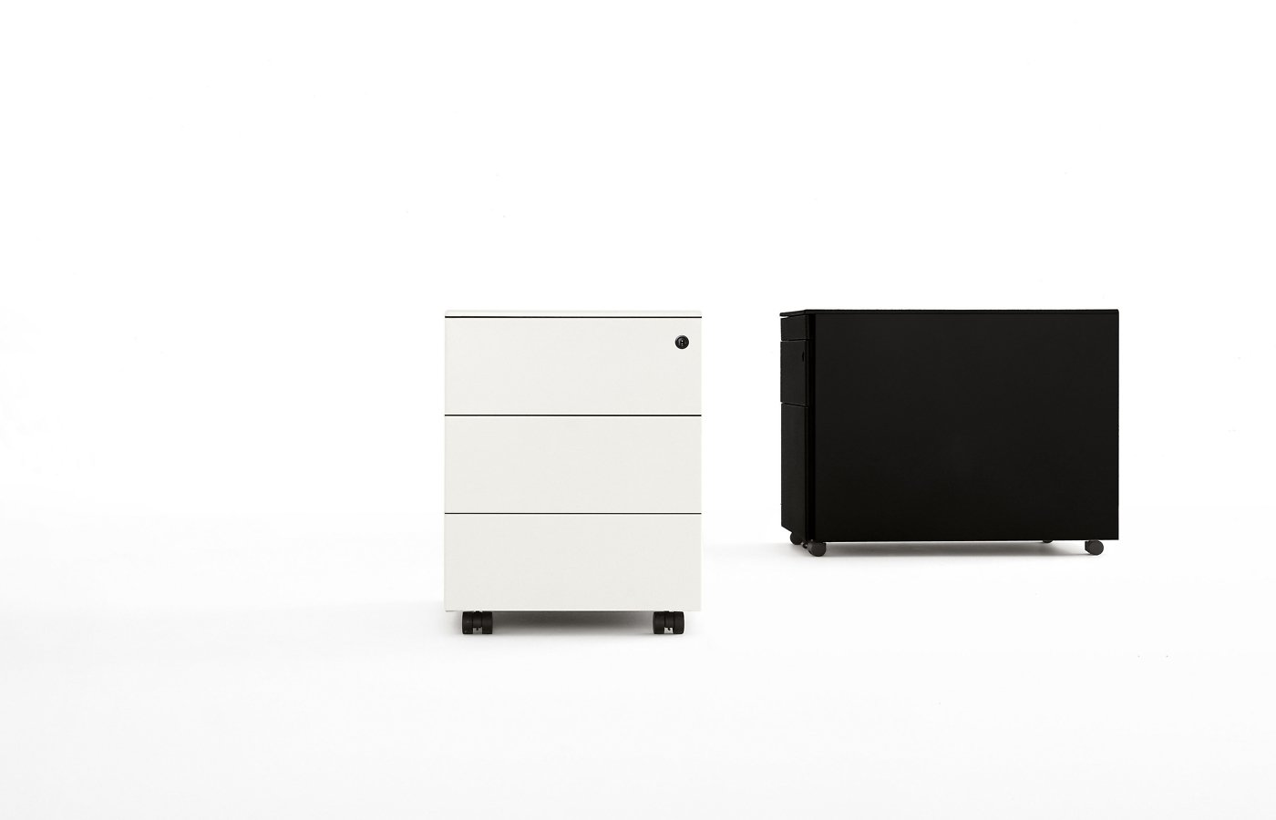 Bureau Metal Drawers cabinet from Kristalia, designed by Bluezone