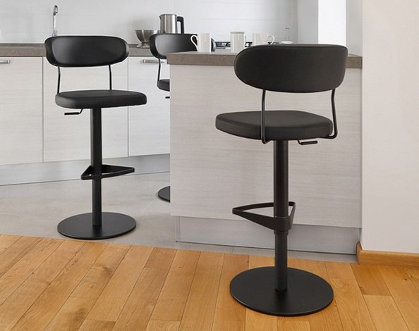 Anais SG stool from DomItalia