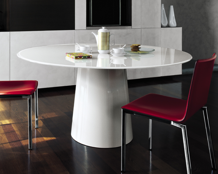 Totem dining table from Sovet
